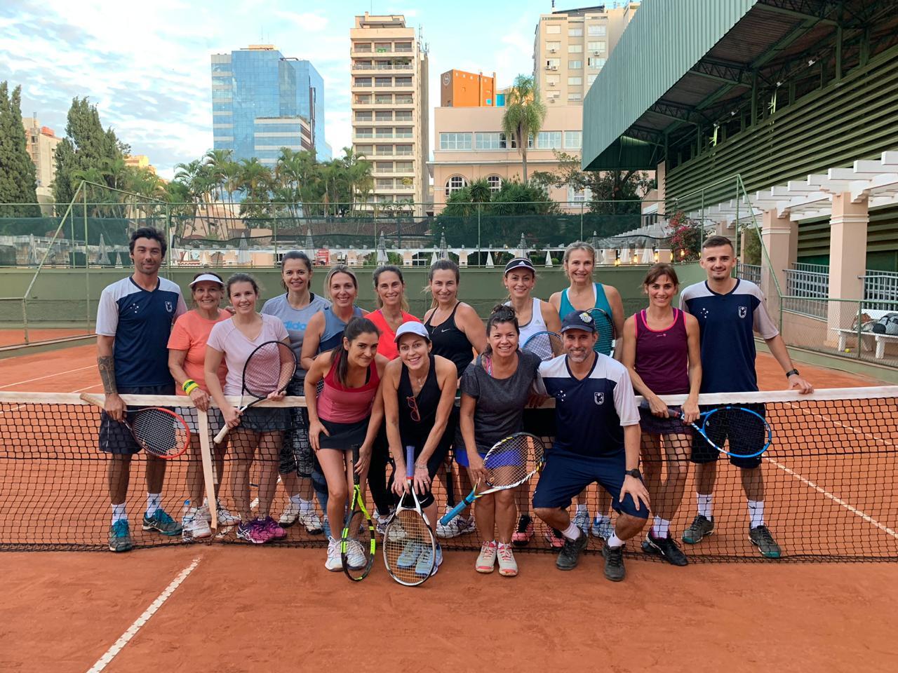 Clínica de Tênis Feminino