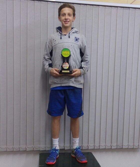 Daniel Capucci, campeão na categoria 14 Anos Masculino. Crédito: Divulgação