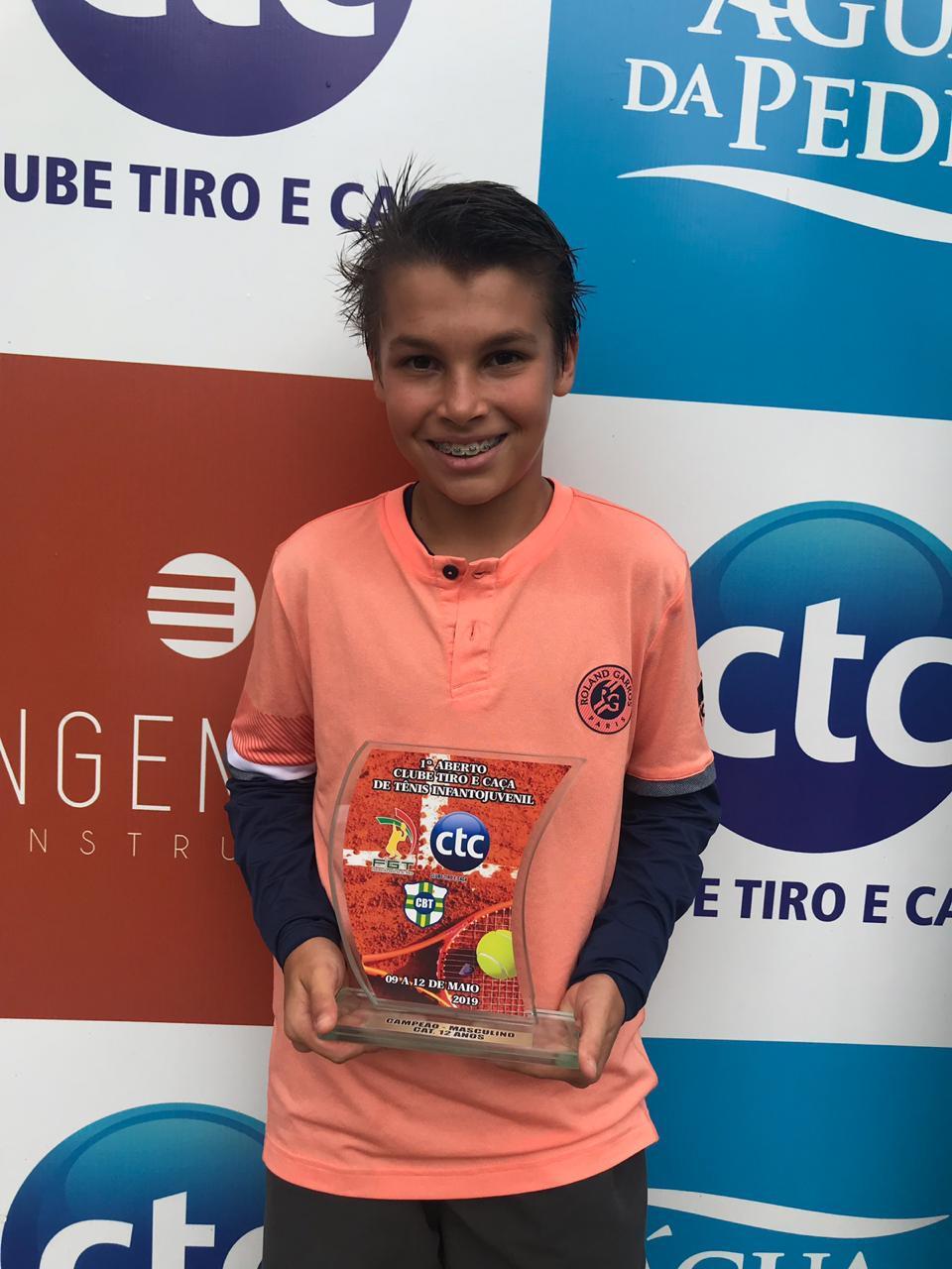 Vicente Freda - Campeão 12 anos Simples Masculino