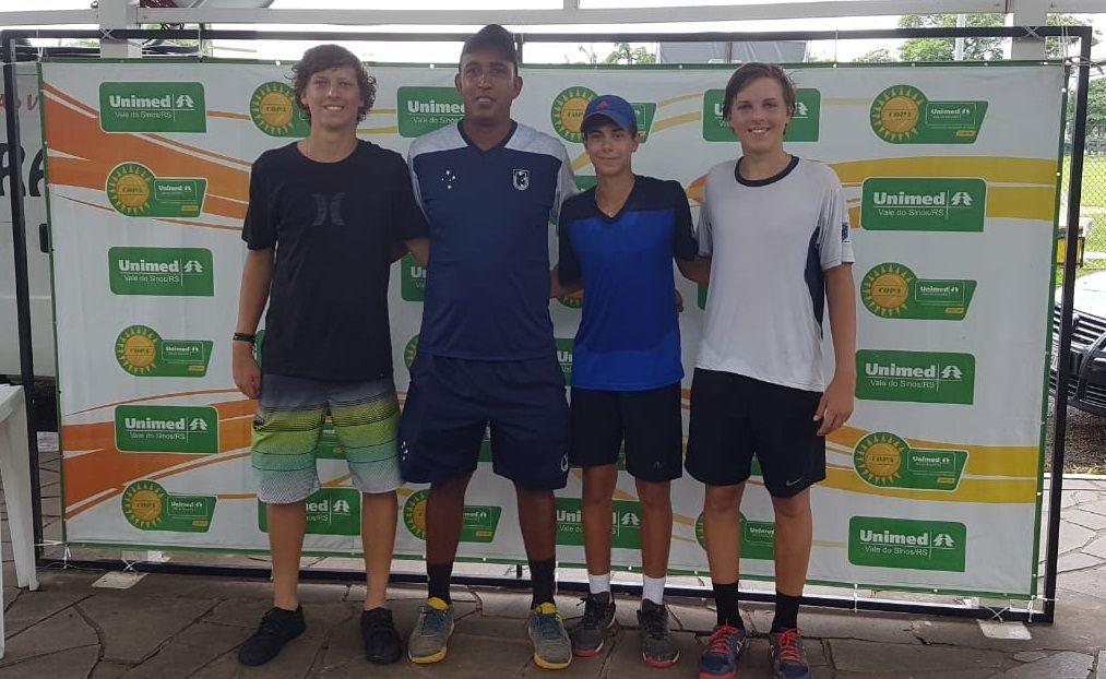 Da esquerda para direita: Antônio Sasso, Fabiano Santos, Bernardo Mussnich e Pedro Sasso