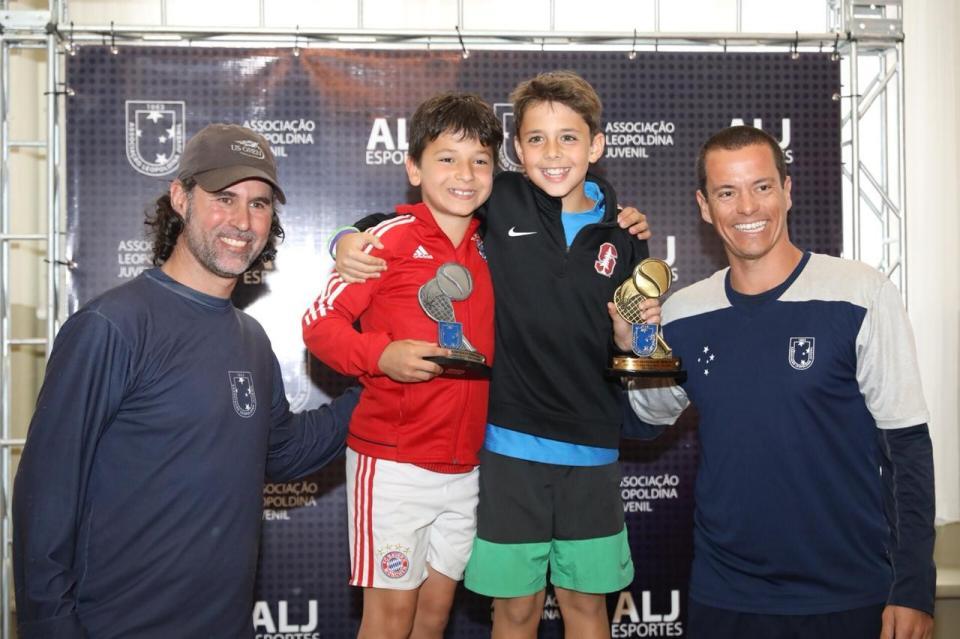 Tarde de integração encerra o 29º Closed da Escola de Tênis ALJ