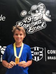 Atleta da equipe ALJ de tênis garante premiação no 49º Banana Bowl