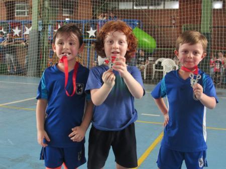Juvenil é campeão geral no Campeonato Metropolitano de Futsal