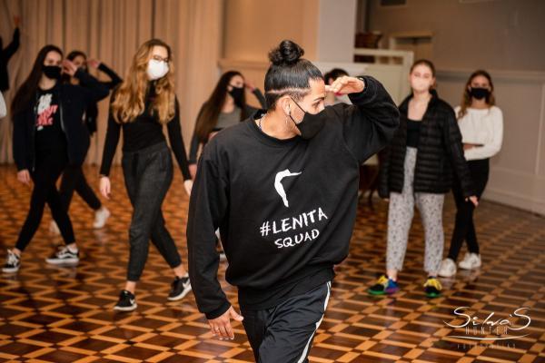 Debutantes ALJ 2020 se divertem em aula de funk