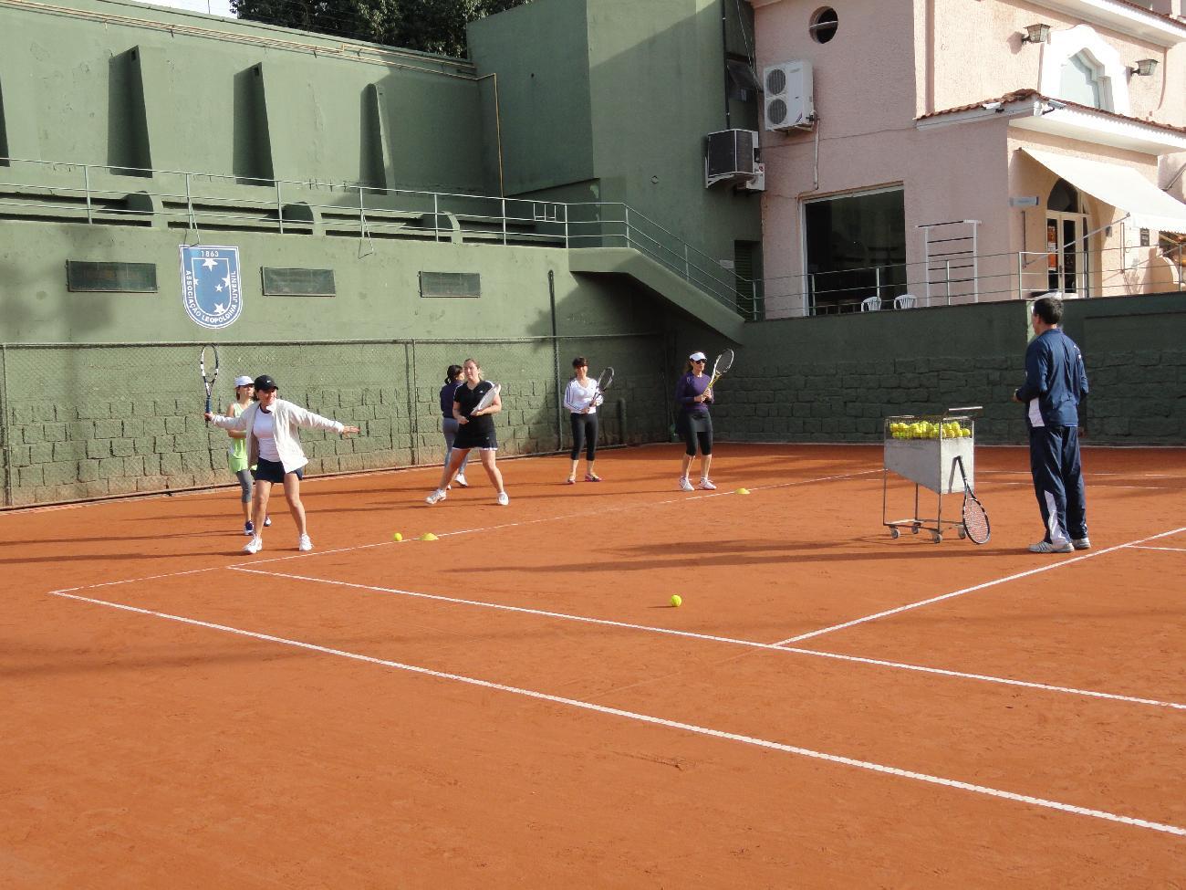 Participe da Clínica de Tênis Feminino na ALJ