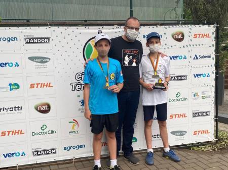 CTG de Lajeado com títulos e vice de tenistas associados