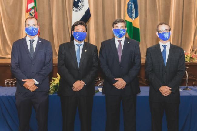 Solenidade empossa nova diretoria e Conselho Deliberativo