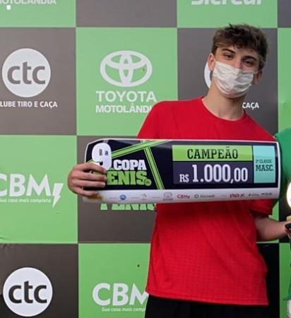 9ª Copa CTC de Tênis tem campeões e vices do Juvenil